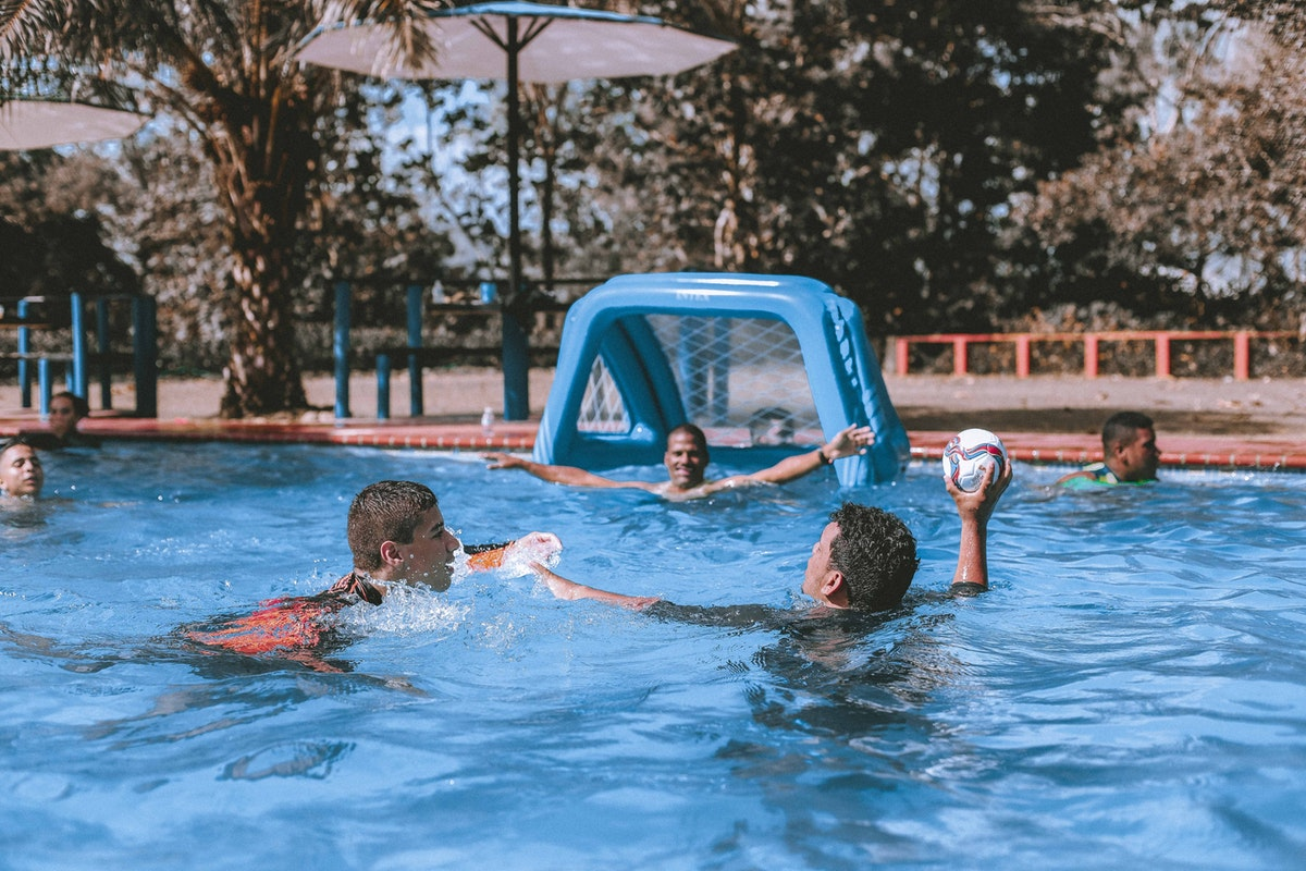 5 Fun Games You Can Play in Your Pool