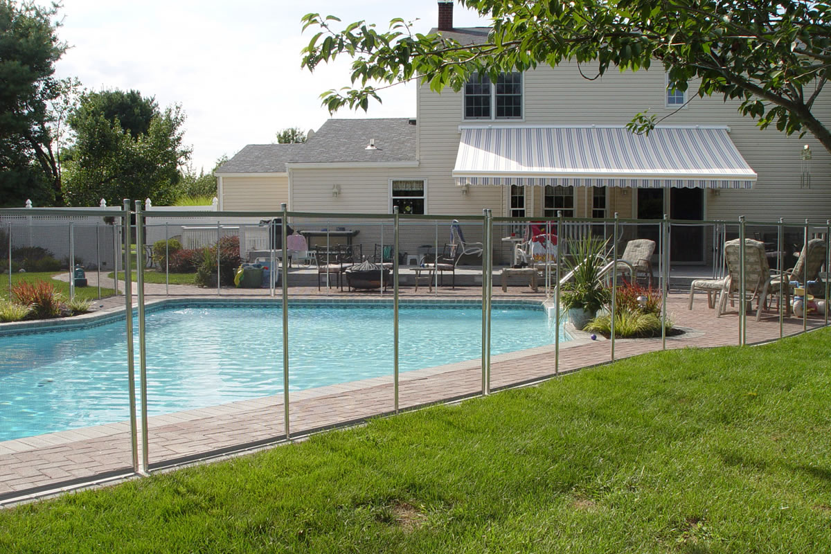 Why your Pool Renovation Should Include a Fence