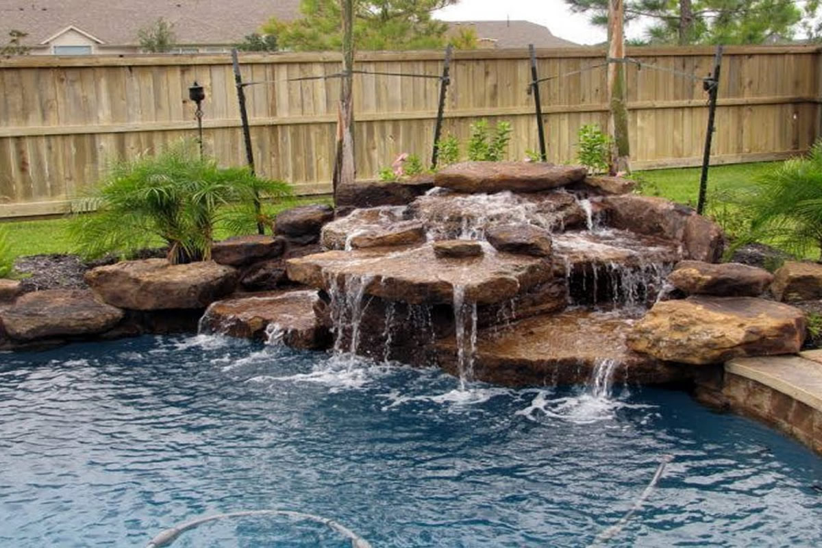 Five Popular Water Features for your Orlando Pool