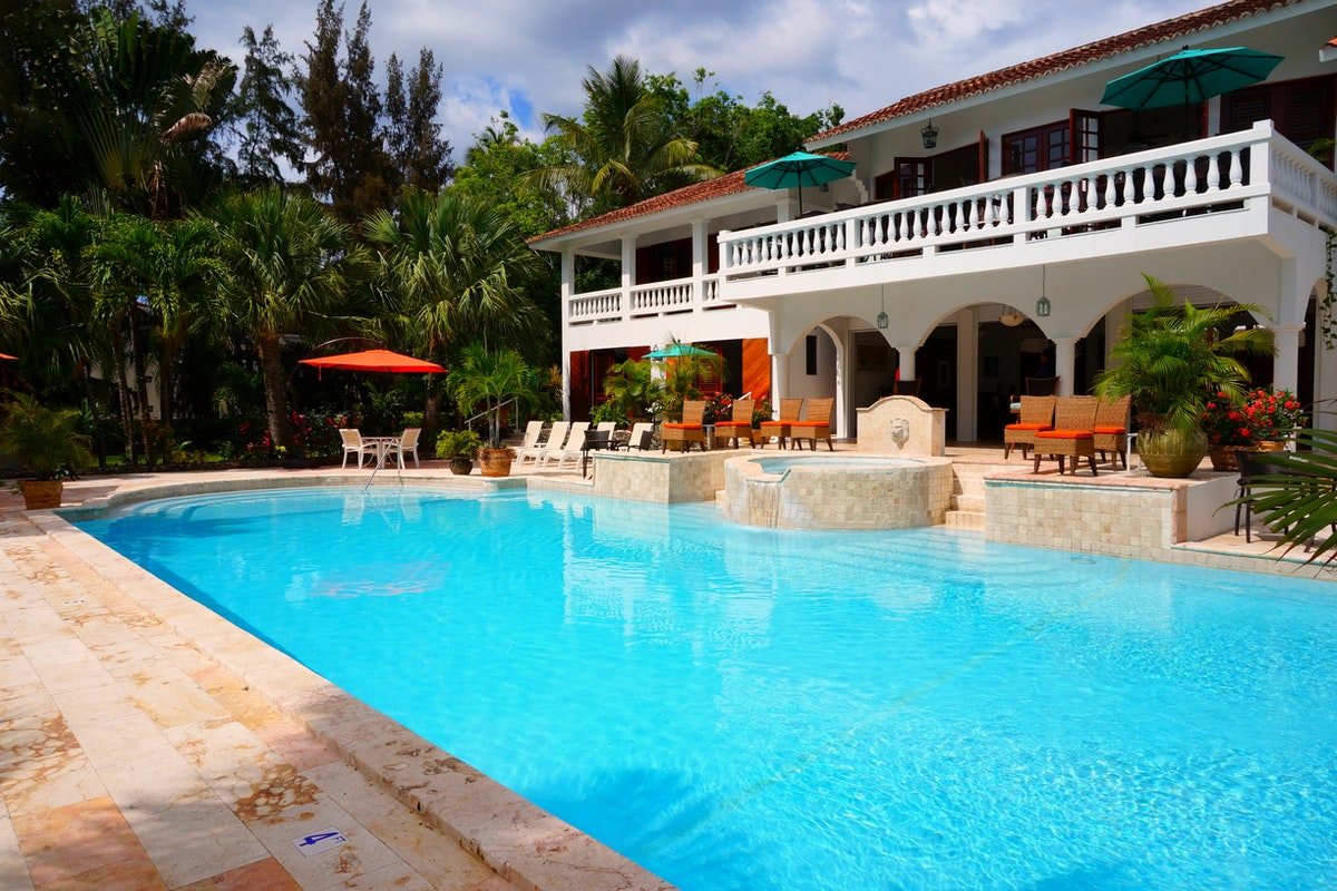 Five Questions You Should Ask Your Pool Remodeling Contractor