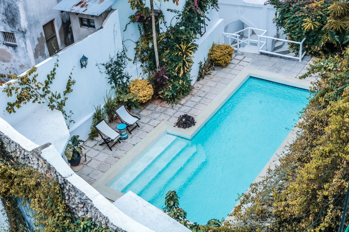 Three Signs It Is Time to Replace Your Pool Liner