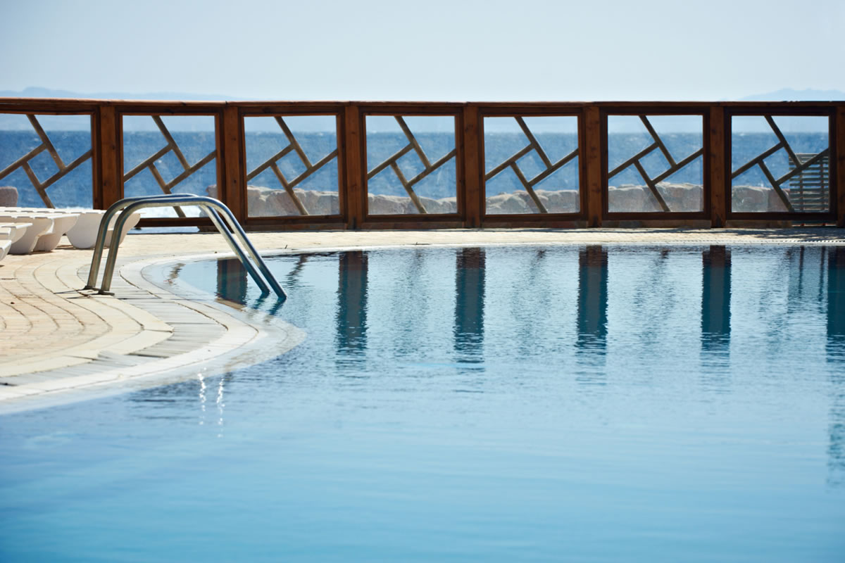 Five Reasons to Add a Pool Fence during Your Pool Renovation in Orlando